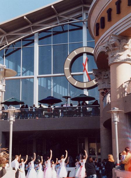 Galleria Roseville Holiday Parade